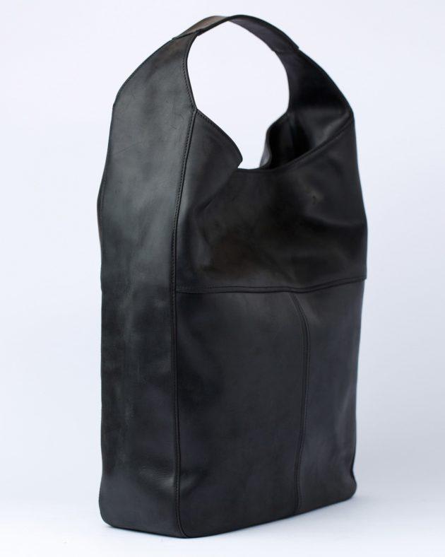 чорна шкіряна сумка хобо