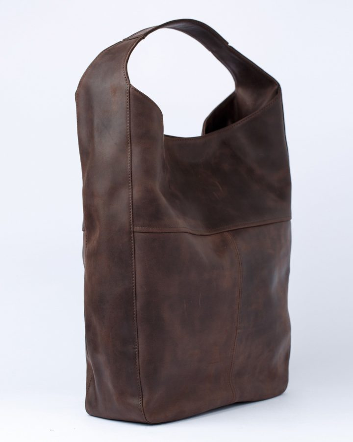 коричнева хобо сумка збоку
