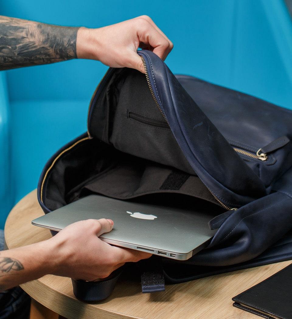 міцний рюкзак зі шкіри