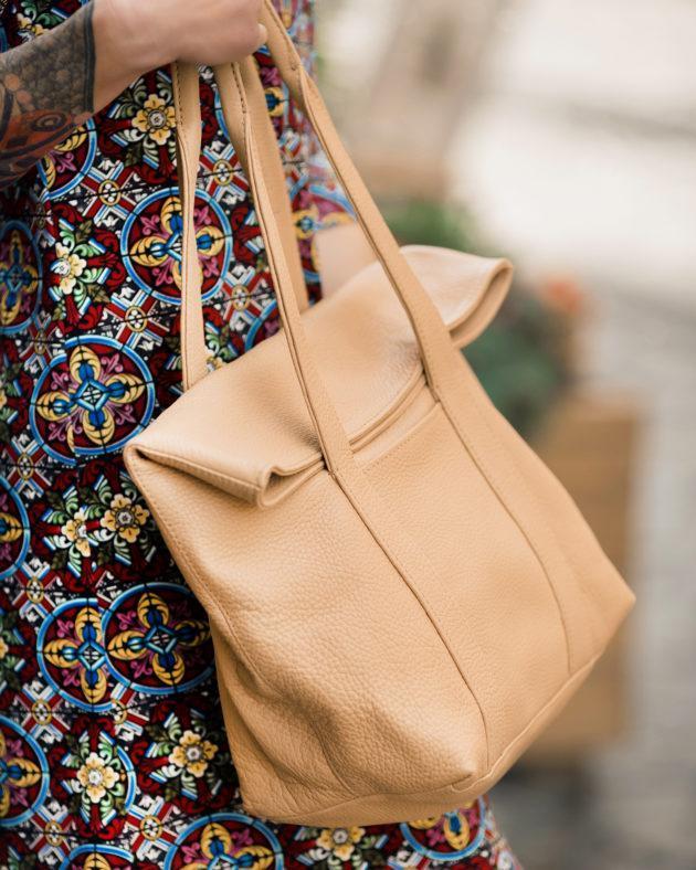 Фото: сумка tote бежева шкіряна