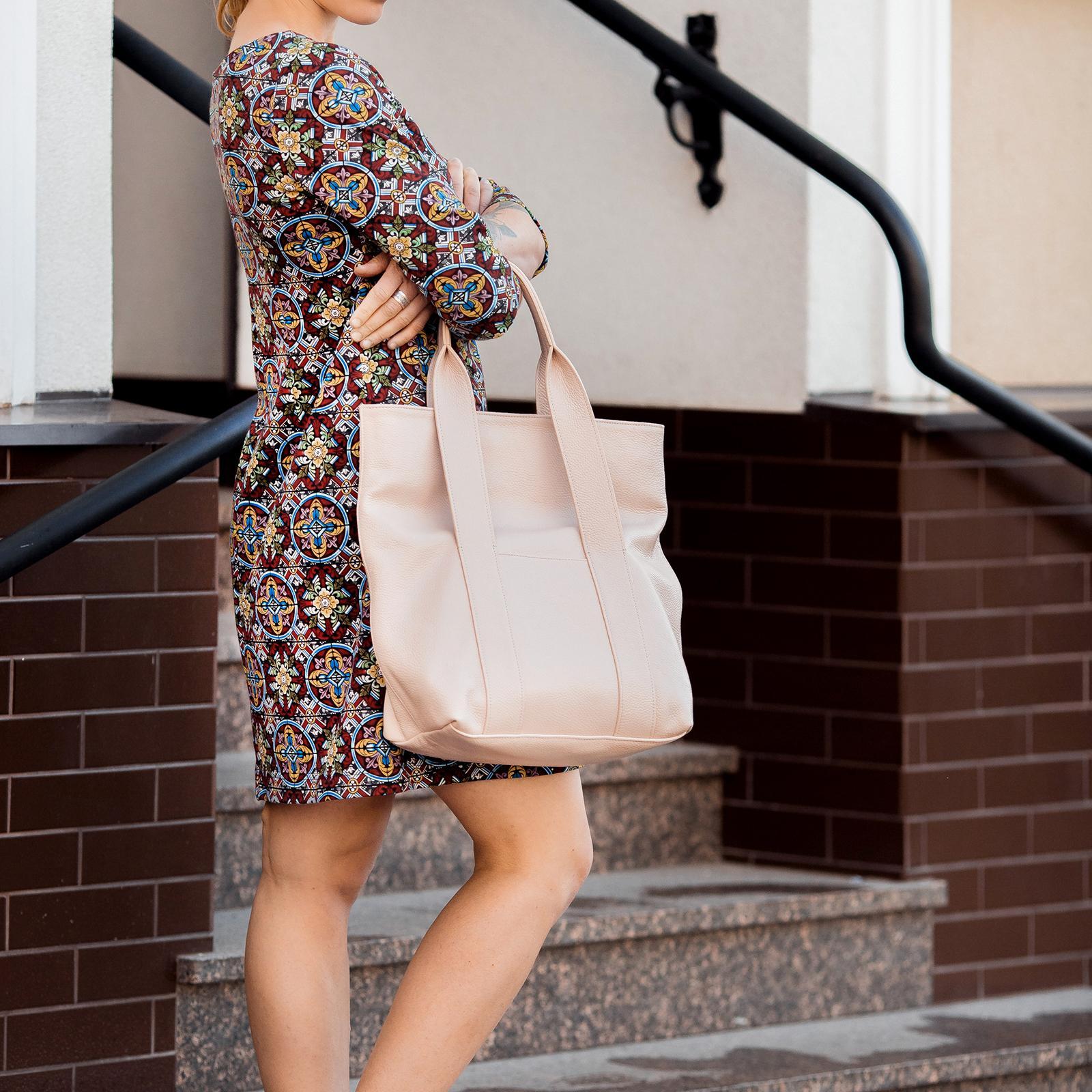 Фото: сумка тоут шкіряна колір пудри
