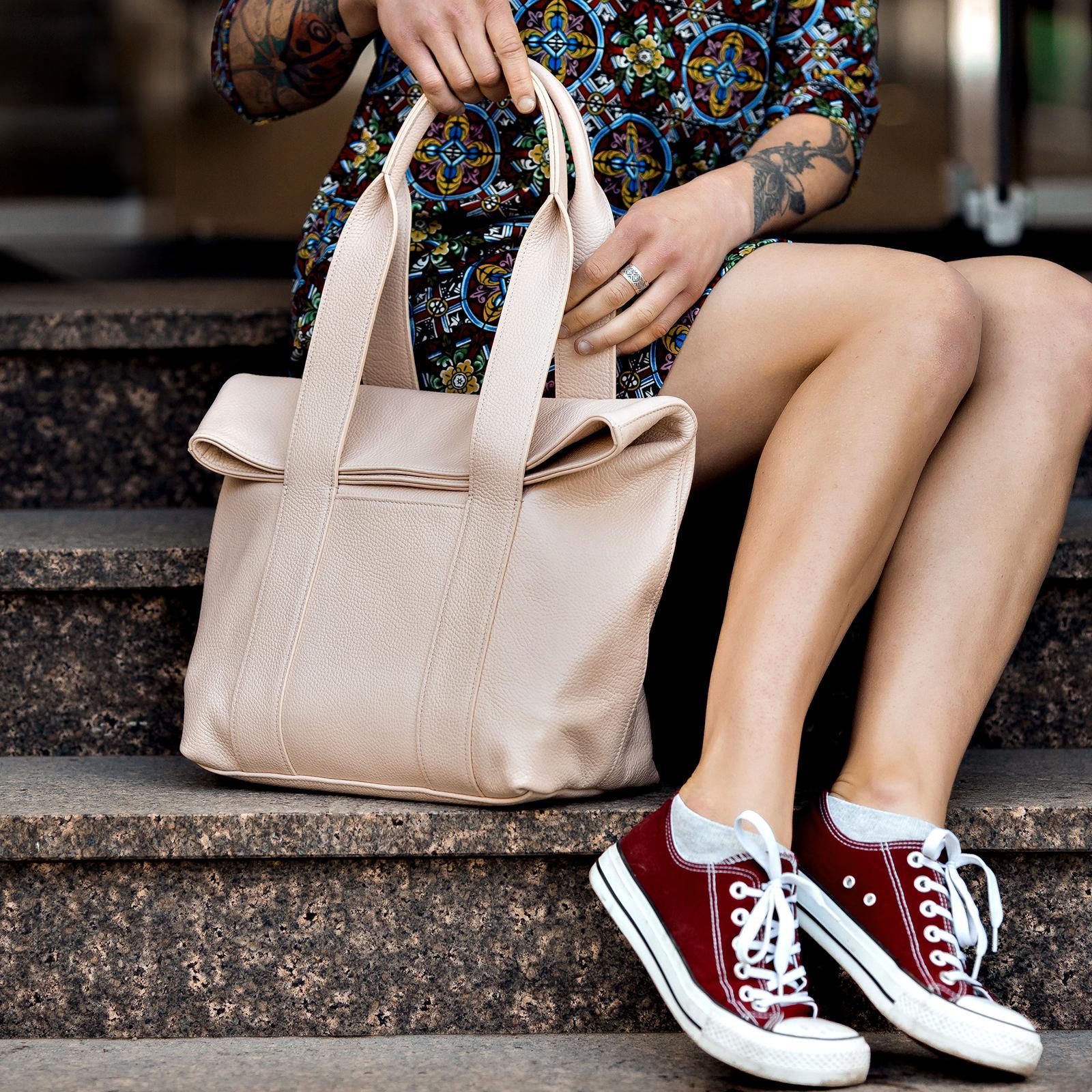 Фото: сумка для ноутбука шкіряна