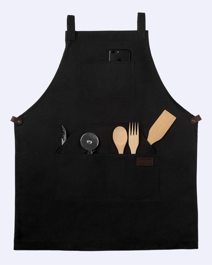 Фартух-черный-с-кожаными-элементами
